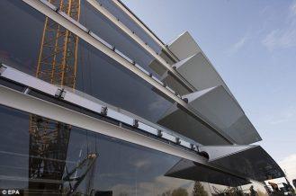 Campus-2-EPA-glass-panels-03