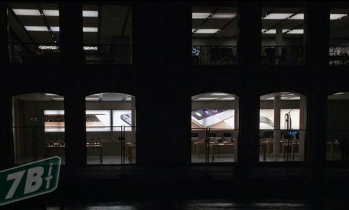 Apple-store-apple-watch-ads-05
