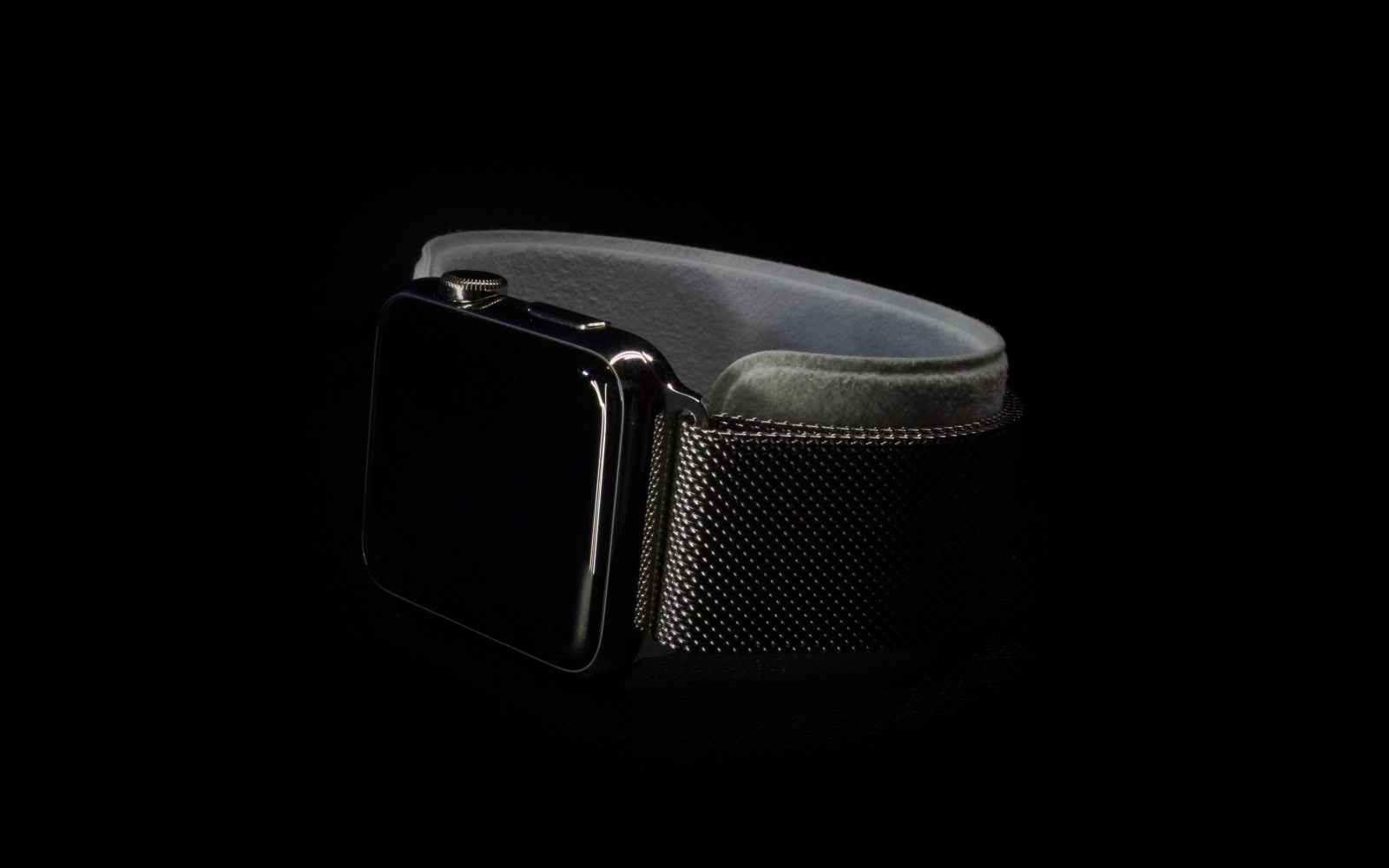 Review: Apple Watch as a design piece
