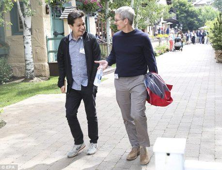 Tim Cook with Pinterest CEO Ben Silbermann