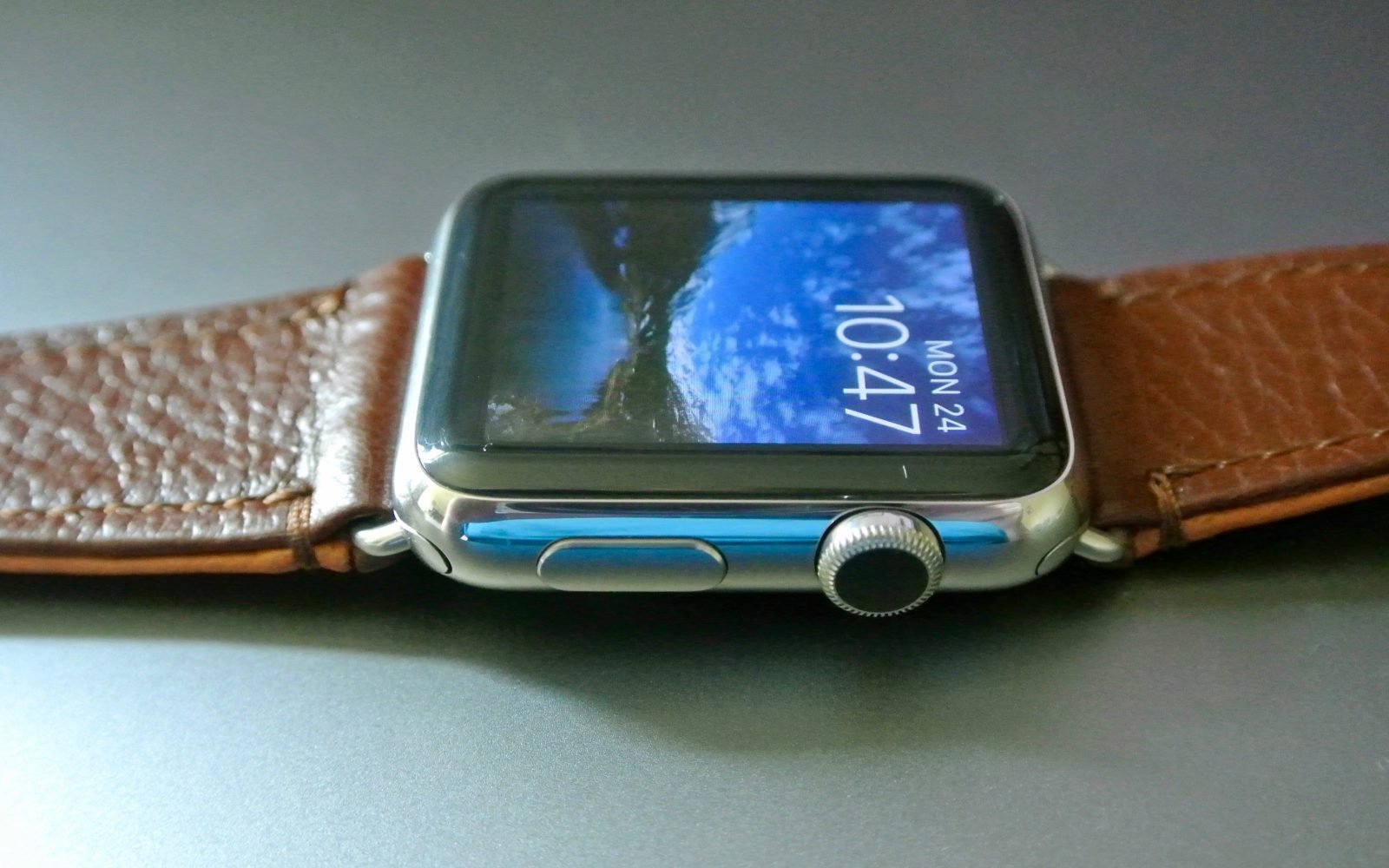 15c111bf05f176 Review: Pad & Quill's Classic Band dresses Apple Watch in rugged, American  leather