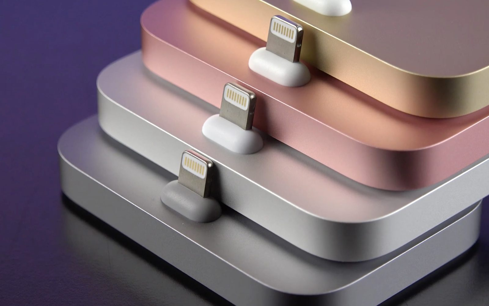 Video: All four colors of Apple's new iPhone Lightning Dock reviewed