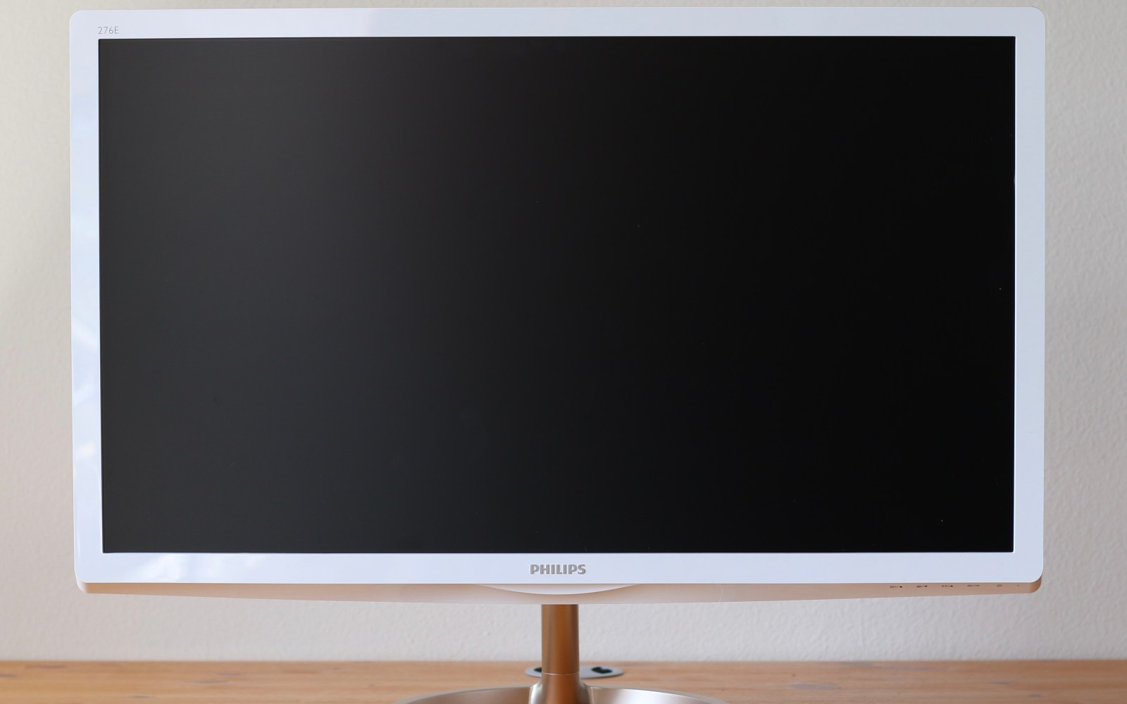 Review: Philips 27-inch Quantum Dot monitor promises greater color accuracy and clarity