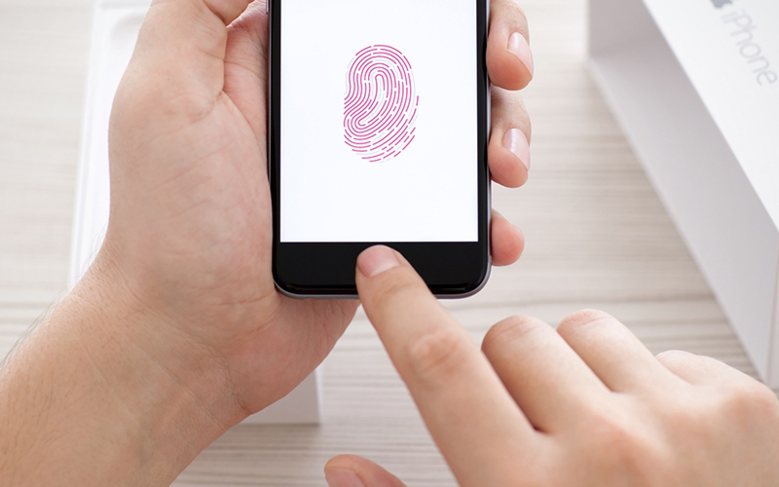 FBI granted federal court warrant forcing suspect to unlock iPhone using Touch ID
