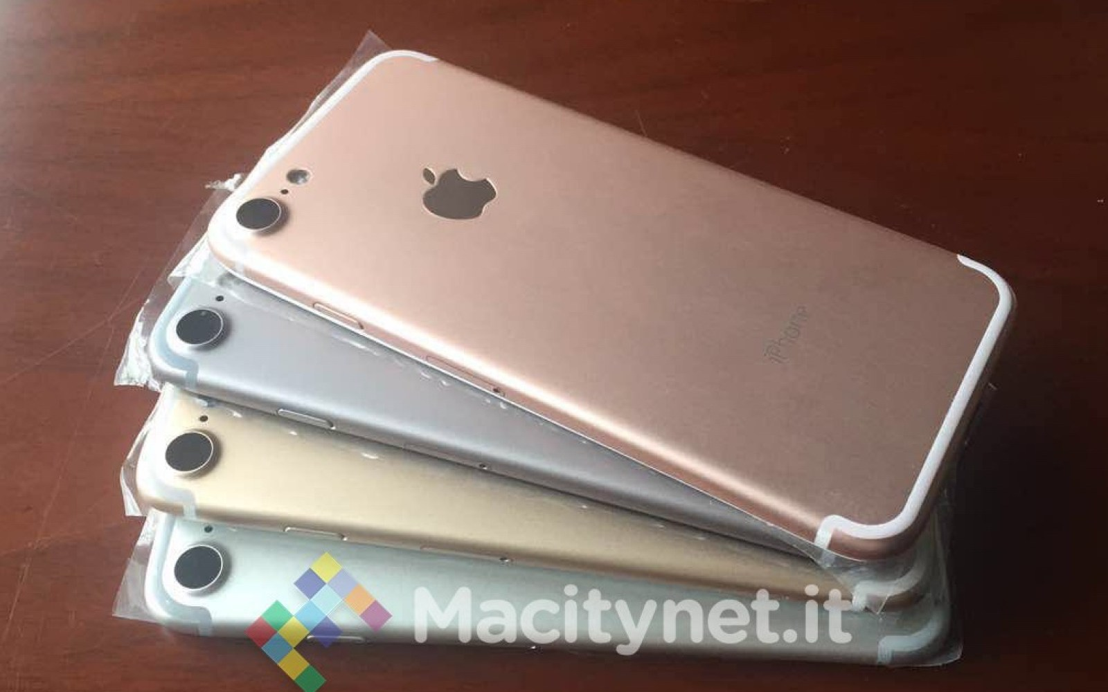 Latest leaks depict iPhone 7 in Silver, Space Gray, Gold and Rose Gold with new style for camera bulge [Update]