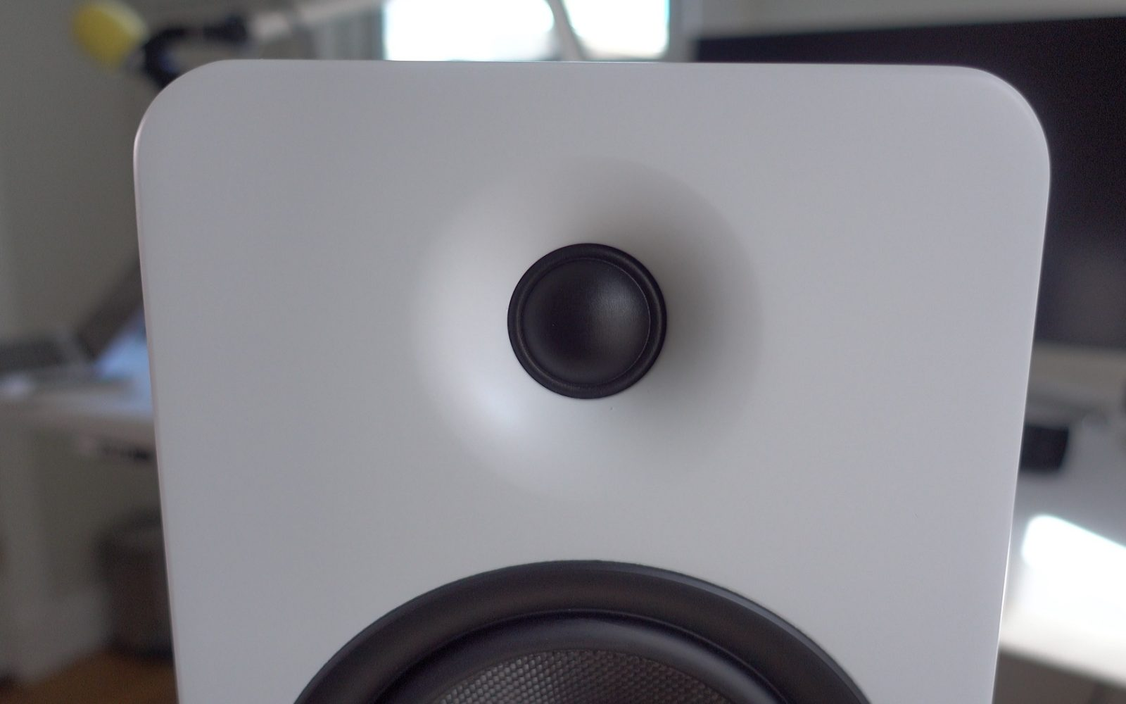 Hands On Kantos YU5 Powered Bookshelf Speakers Deliver Big Sound And Flexible Connectivity Options Video