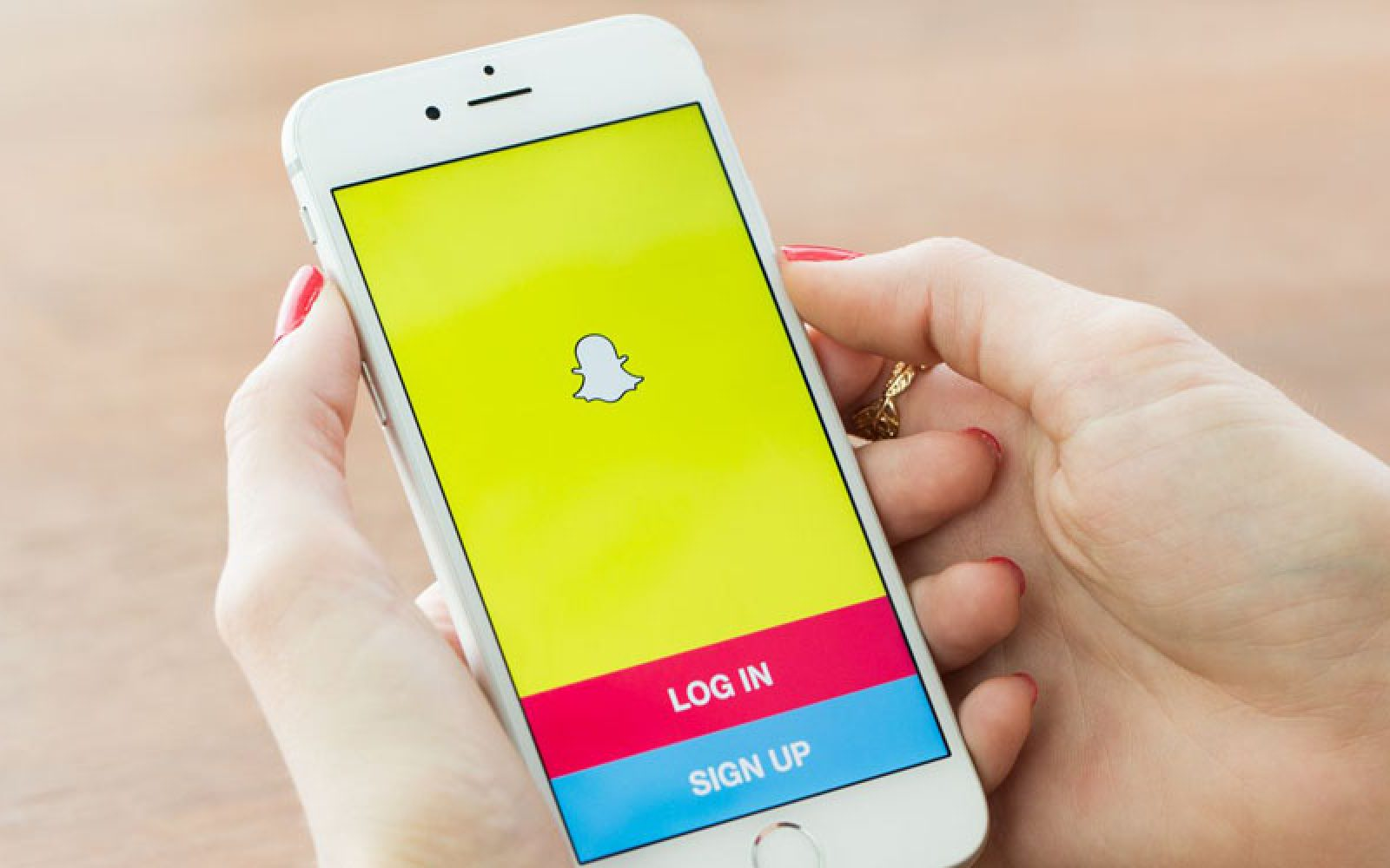 Apple working on its own Snapchat-style video-sharing app & other
