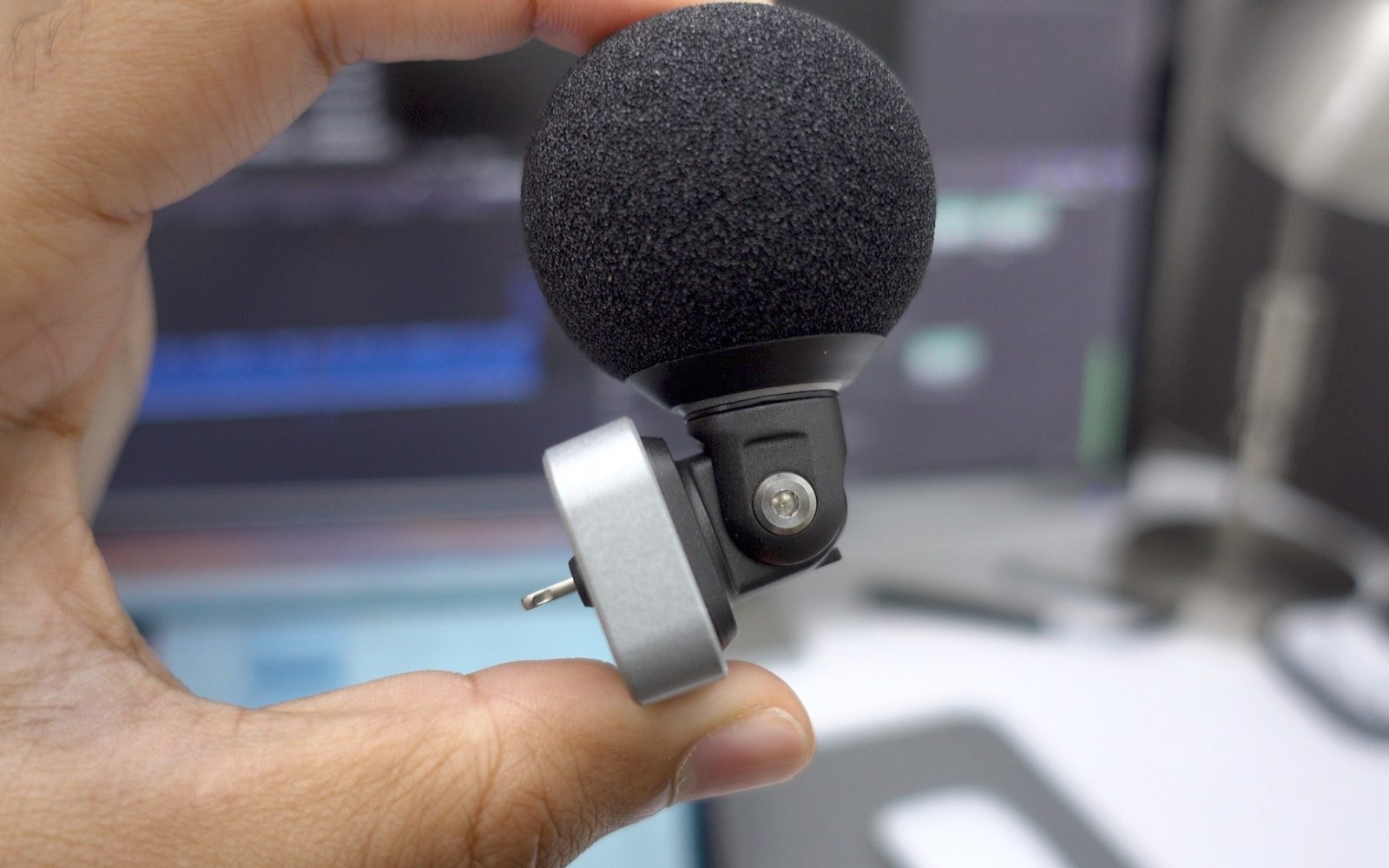 Shure MV88: a solid Lightning-enabled microphone for on-the