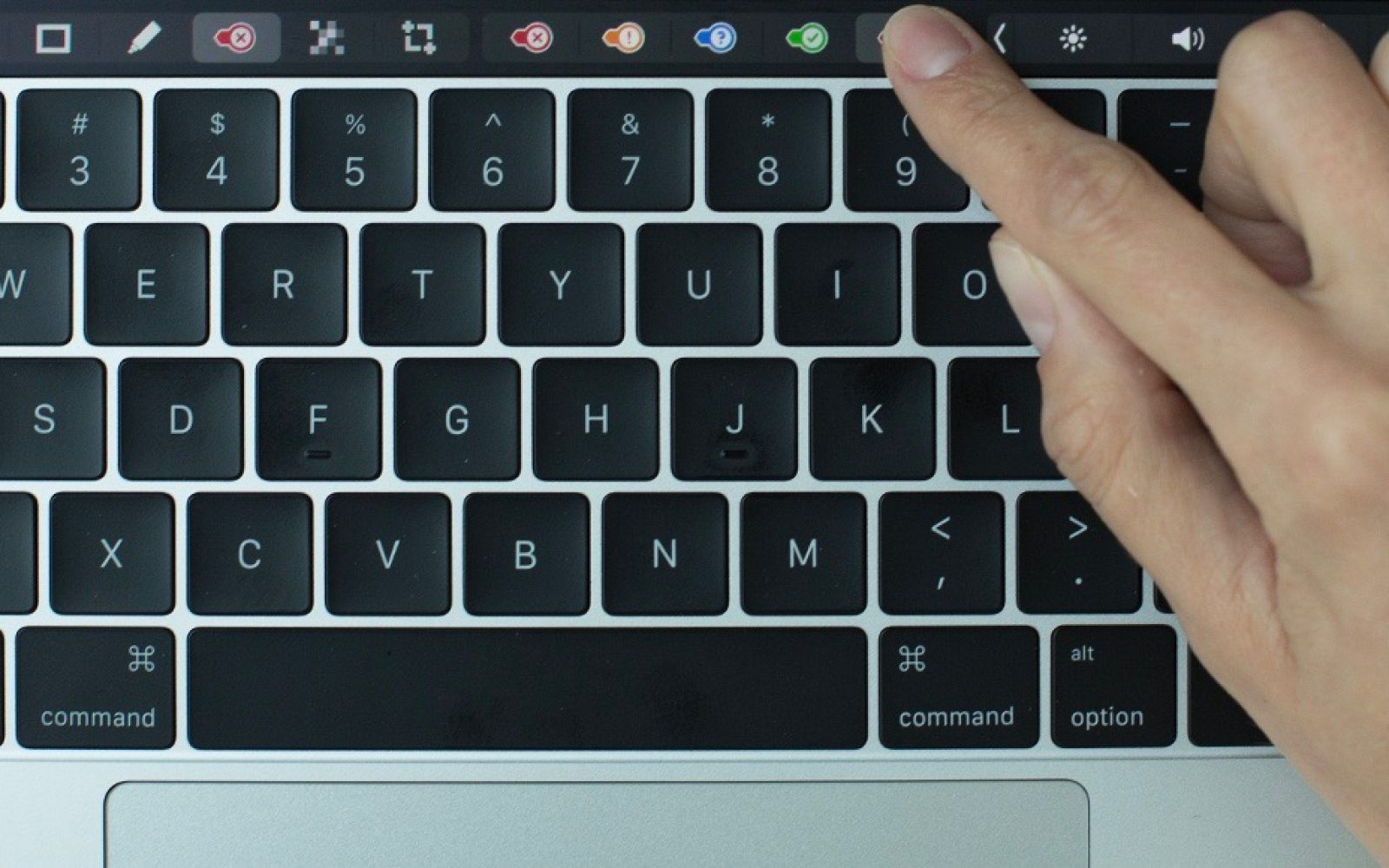 Evernote update adds colorful new Touch Bar features to your MacBook ...