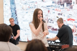apple-marche-saint-germain-sigrid-performance