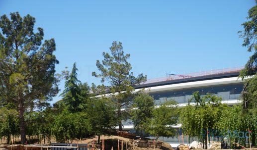 Apple-Park-Campus-2-June-landscaping-08