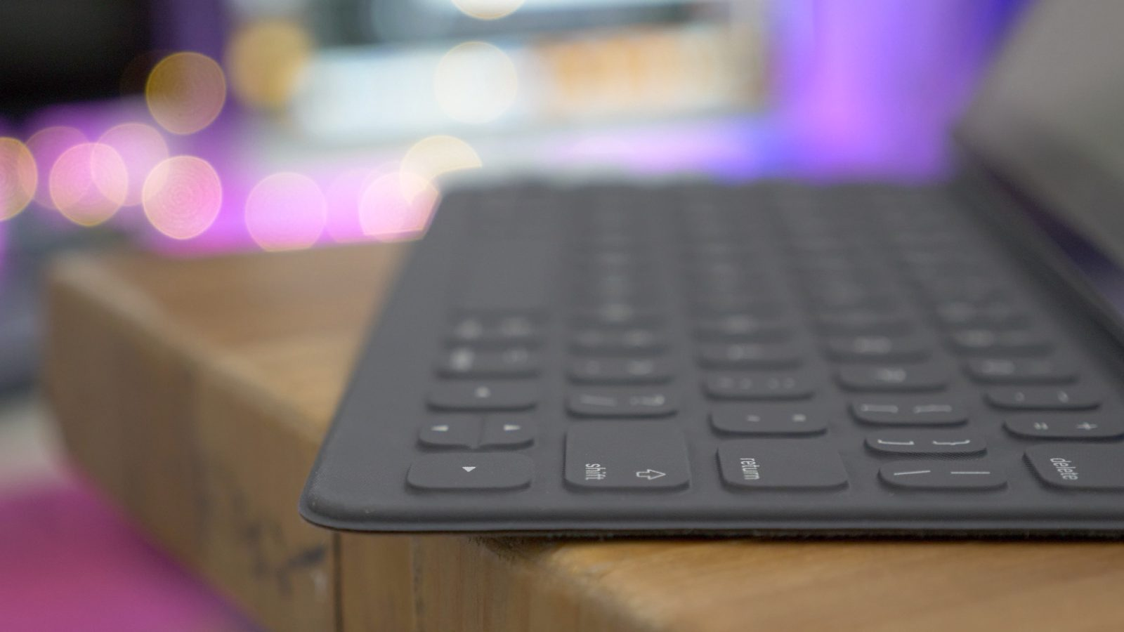 The Smart Keyboard makes the 10.5-inch iPad Pro a better device [Video]