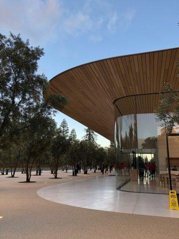 33 Apple Park