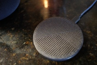 Native Union Drop Wireless Charger 1