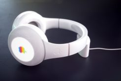 Hajek-Apple-Headphone-HP24