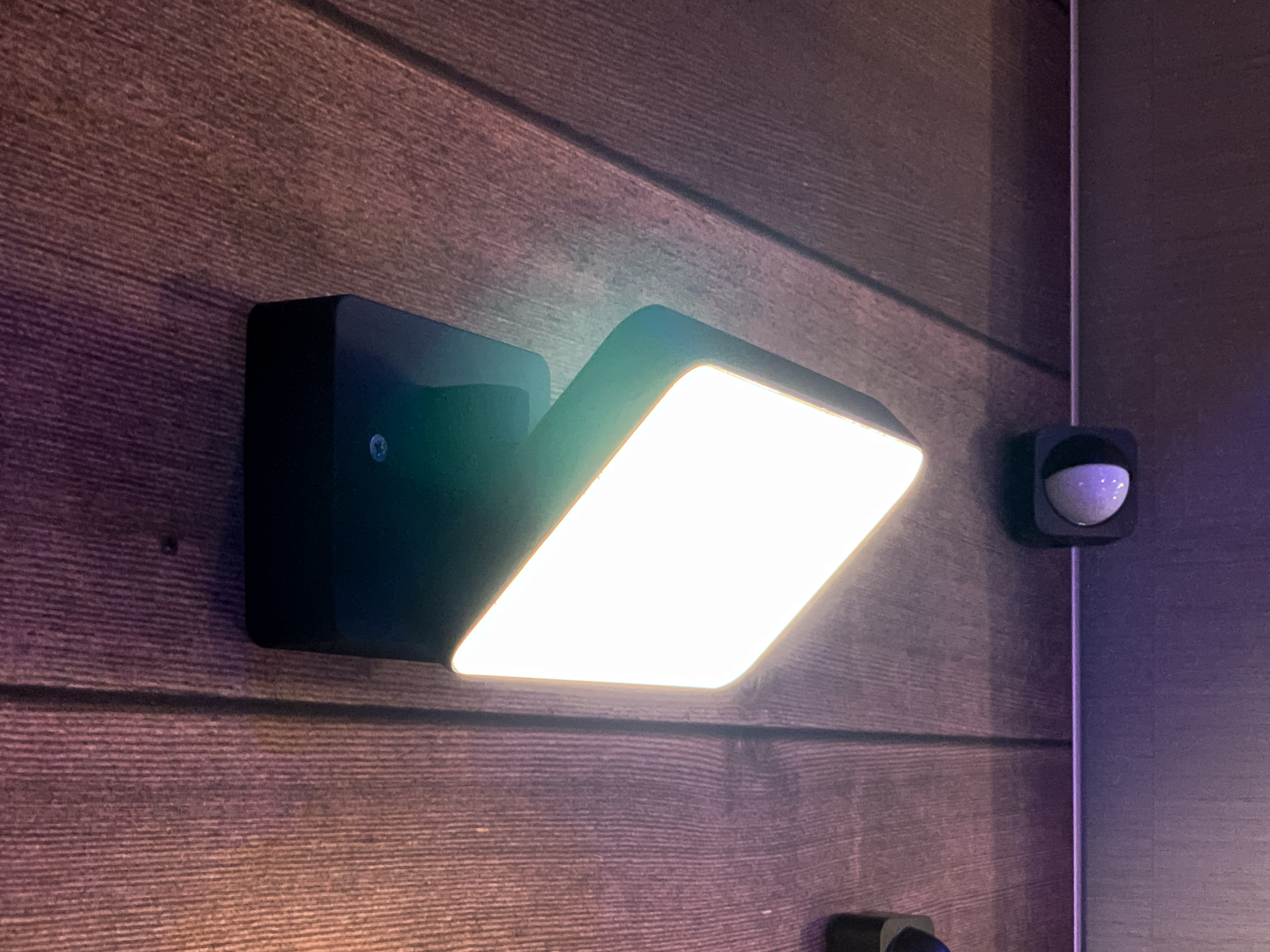 Gallery Hands On With The Philips Hue Outdoor Sensor And