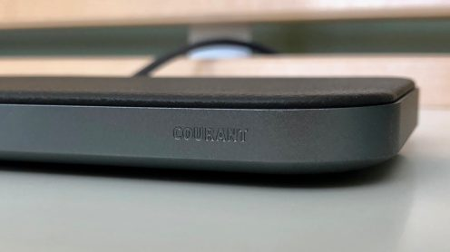 Close-up Courant Catch 2 premium iPhone wireless charger