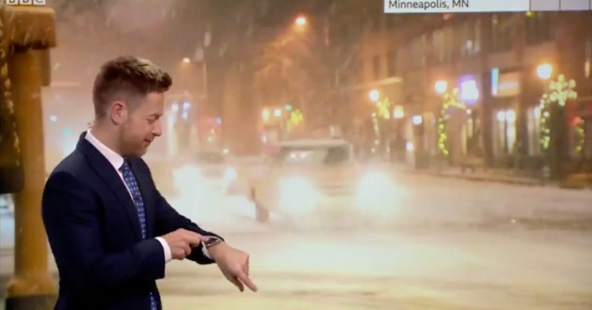 Apple Watch Siri awkwardly interrupts on-air meteorologist and contradicts his forecast - 9to5Mac