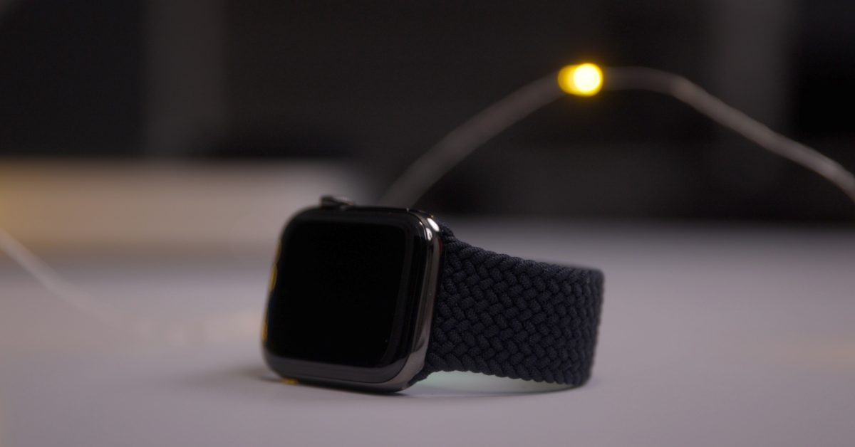 Report: Facebook's Apple Watch competitor to feature two cameras, heart rate monitor