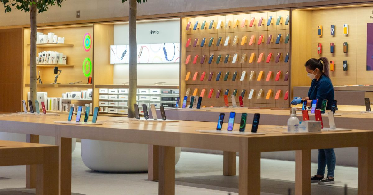 photo of All 270 US Apple Stores are open for the first time since March 2020 image