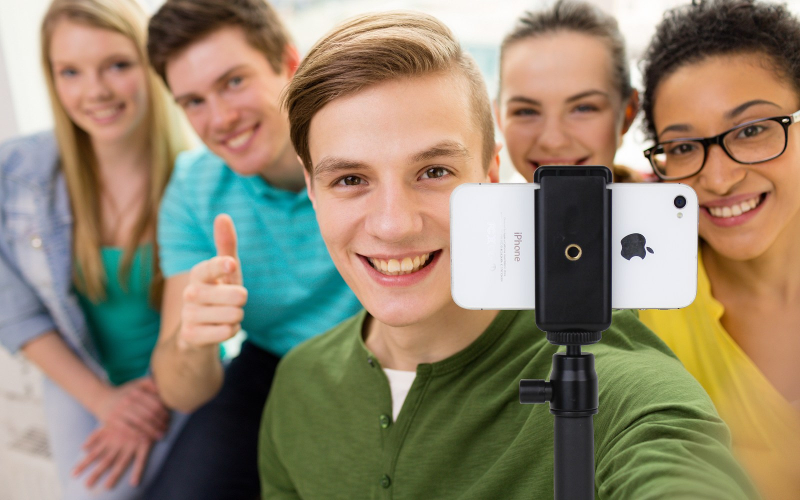 Satechi releases new Bluetooth extension arm for capturing exceptional selfies from your smartphone