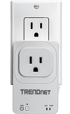The new TRENDnet THA-101 combines a network extender and an iOS/Android controlled smart plug