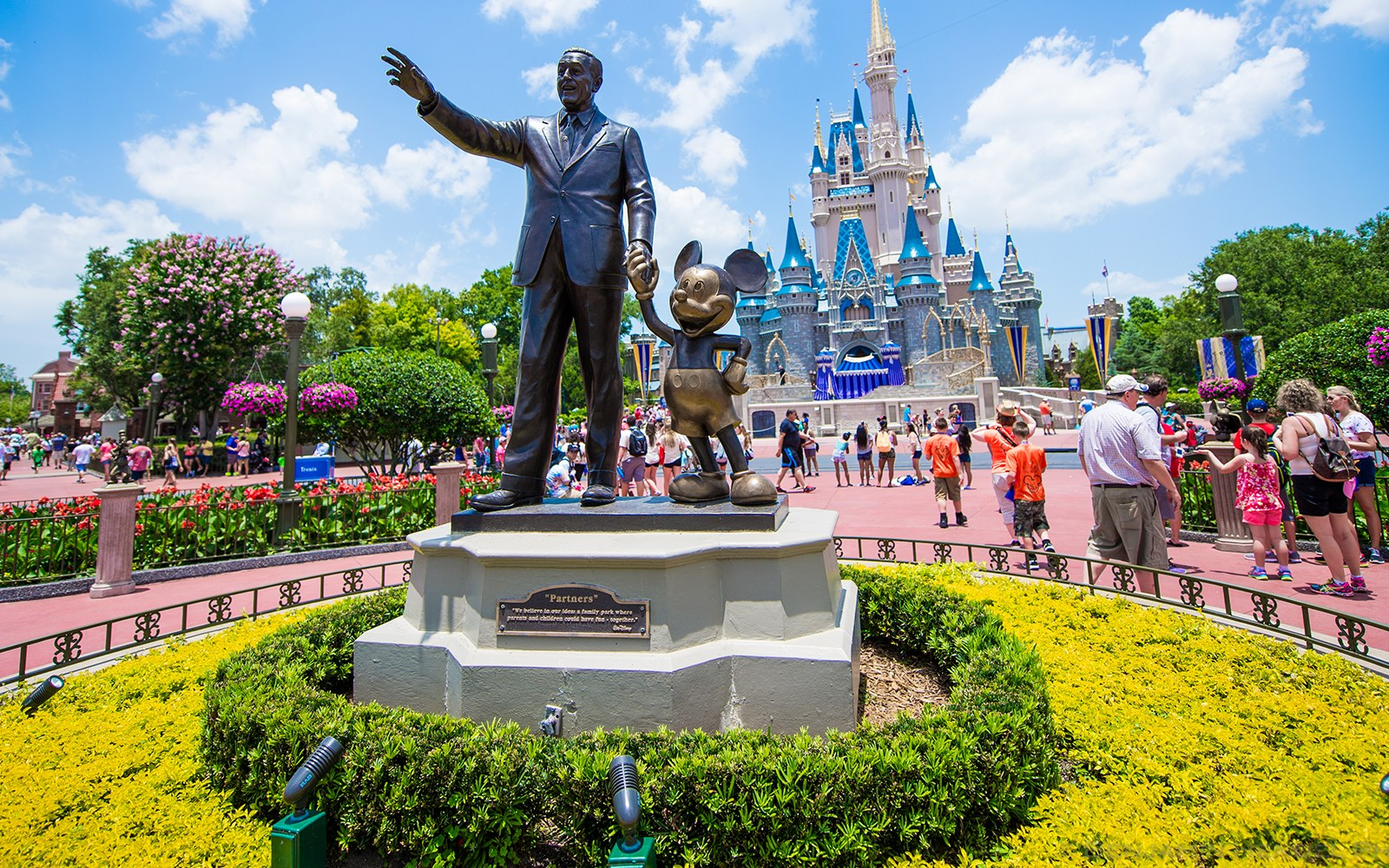 How To: Save a significant amount of money on your next Walt Disney World vacation