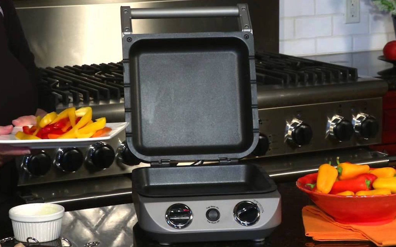 This Brushed Stainless Steel Cuisinart Countertop Cooker