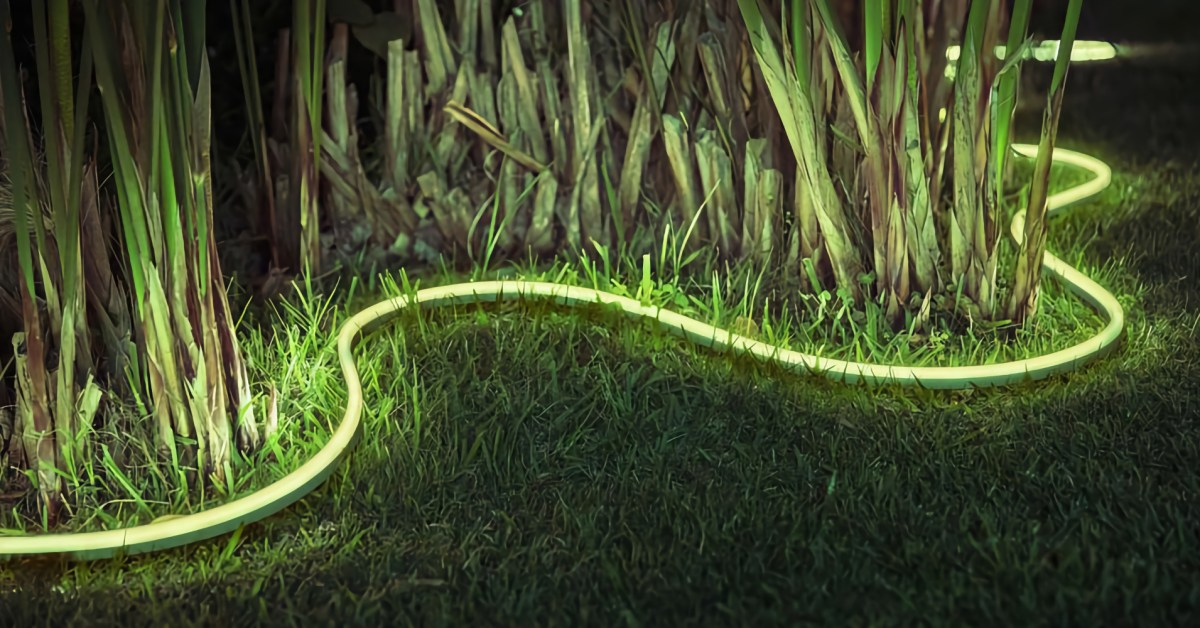 Philips Hue Outdoor Color Lightstrip delivers a spring patio upgrade for $70 (Save $20) - 9to5Toys