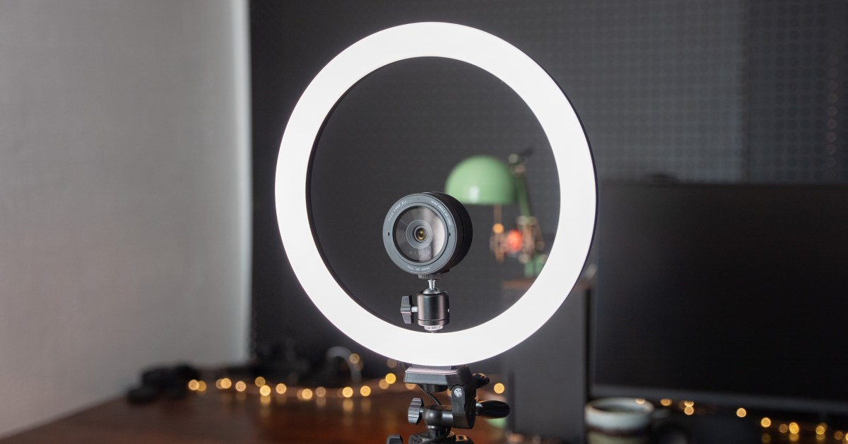 Razer Ring Light Review: Add some light to your stream for $80