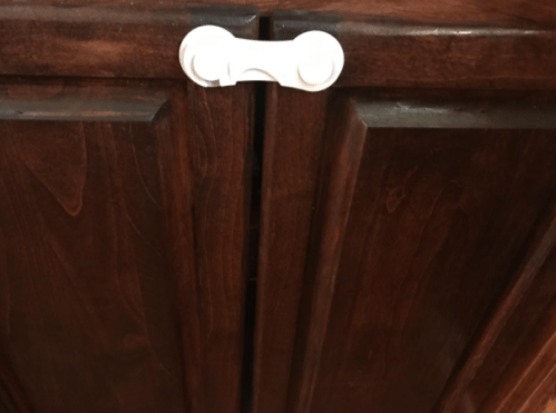 Baby Proof Cabinet Latches, Strong Adhesive Childproof Cabinet Locks Kitchen Cabinet Safety Locks for Kids Multi-Purpose for Cabinet, Drawer, Cupboard, Fridge, 8Packs photo review