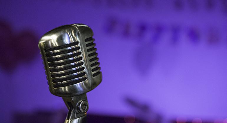 Microphone © Michael Raymond 2016