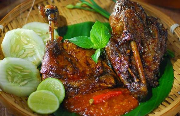 Cara membuat bebek goreng spesial lezat