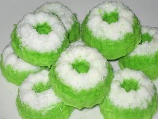 Membuat Kue Putu Durian Enak dan