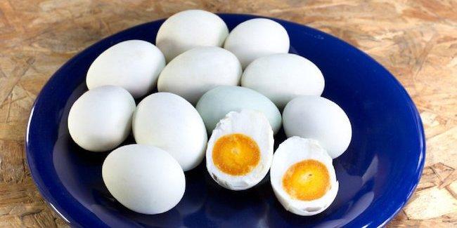 Telur Asin Pedas, Cara Sederhana Membuat Telur Asin Pedas