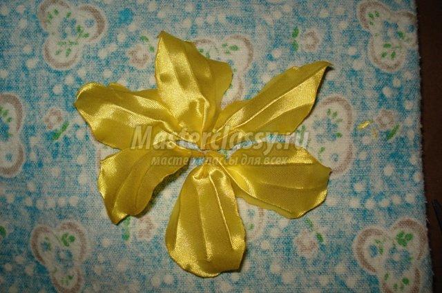Foto de Kanzashi faz você mesmo: Master Class of Lilies com fotos e vídeos