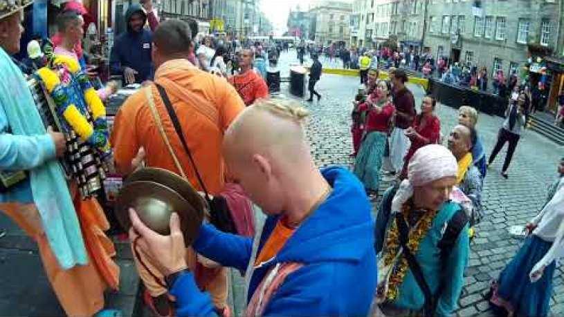 Mahavishnu Swami Chants Hare Krishna with Harinama Ruci at Edinburgh Fringe Festival - Day 2