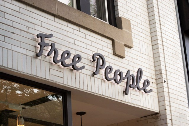 free-people-sign