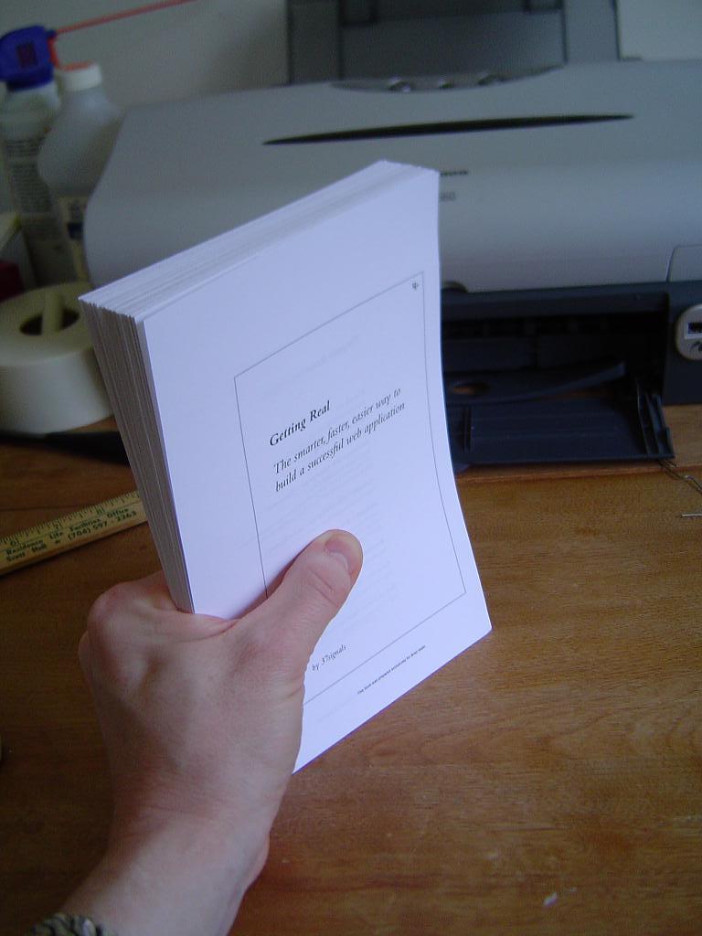 使用货物是非常可取的。笔记本不会骑一个比较不同。丝带在外面挤压。