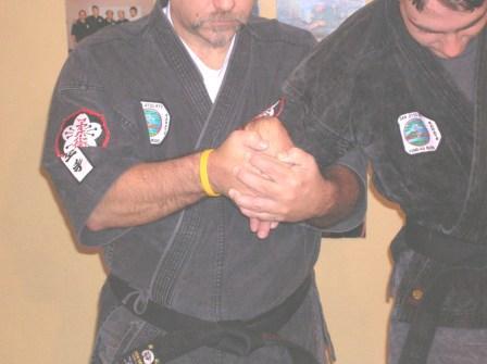 Gooseneck wrist lock