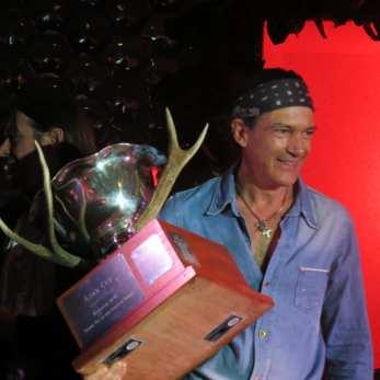 Antonio Banderas with the Ajax Cup