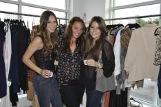Girls_shopping_chicago_designer_boutquies