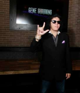 Gene Simmons_02
