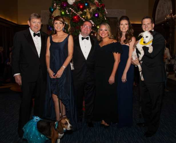 Honorary Chairs Michael & Nancy Timmers with Regal Beagle