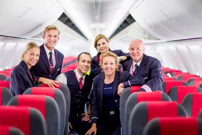 Norwegian Air Shuttle Uniforms
