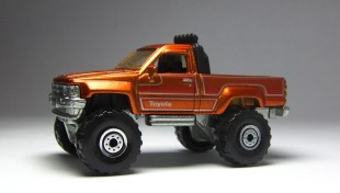 Hot Wheels Cool Classics Toyota Pickup 02