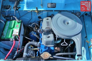 0452-JR1405_Datsun 320 pickup Engine