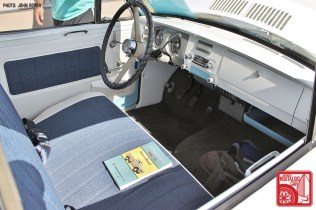 0454-JR1408_Datsun 320 pickup Interior