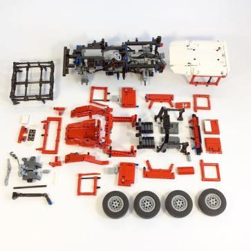 Lego Toyota Land Cruiser FJ401 (1)