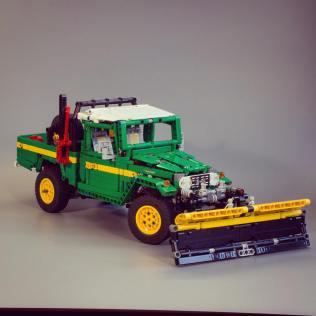 ART CORNER: Lego Toyota Land Cruiser and Hilux | Japanese Nostalgic Car